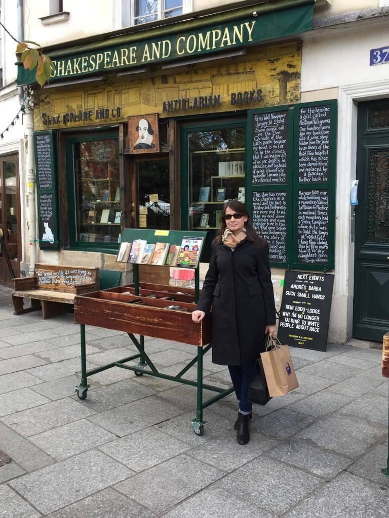 Kathleen Peddicord outside Shakespeare and Company bookstore